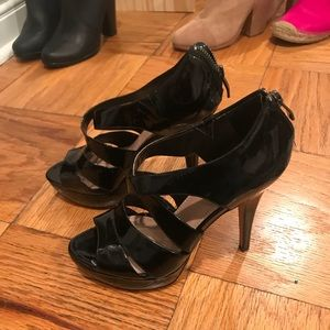 Vince Camuto Black Leather Strappy Heels 6.5 NEW